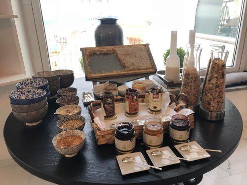 Geleias, cereais e produtos regionais no Villa Franca Positano