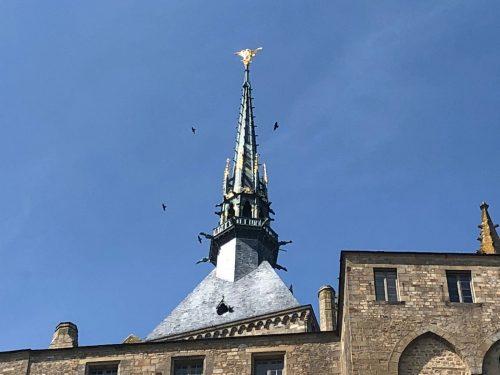 Arcanjo São Miguel no topo da Abadia