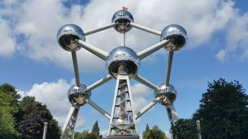 Frente do museu Atomium em Bruxelas