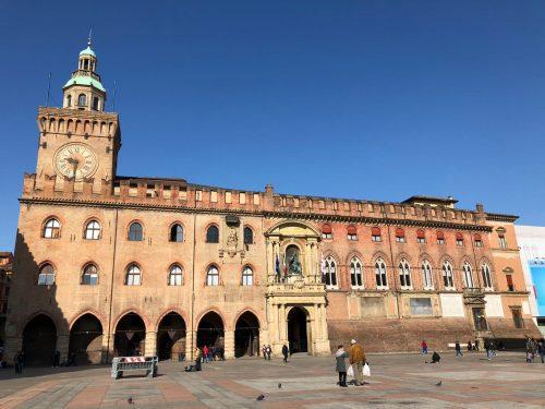 Arquitetura do Palazzo dell' Accursio em Bolonha