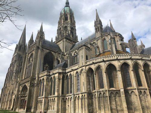 Arquitetura gótica da Catedral de Bayeux