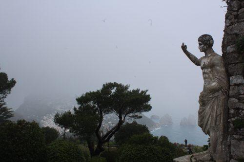 Arquitetura do Monte Solaro e vista para Capri