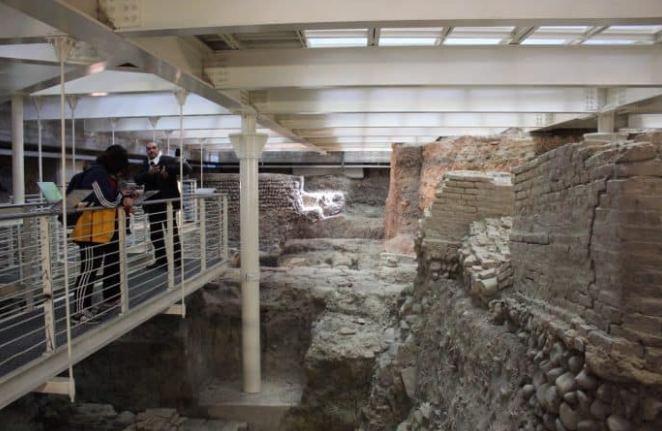 Sítio arqueológico no subsolo da Biblioteca Salaborsa