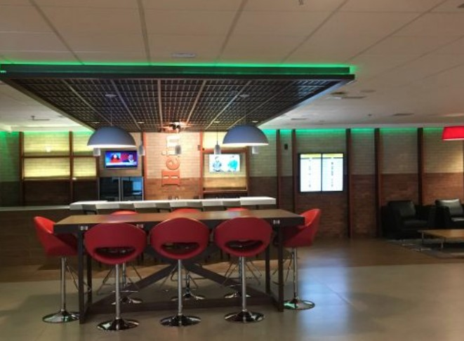 Bar da Heineken no hotel Tryp