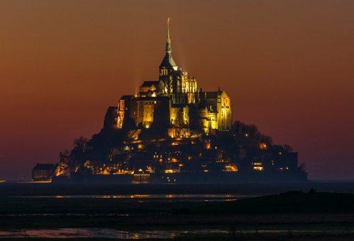 Mont Saint Michel de noite