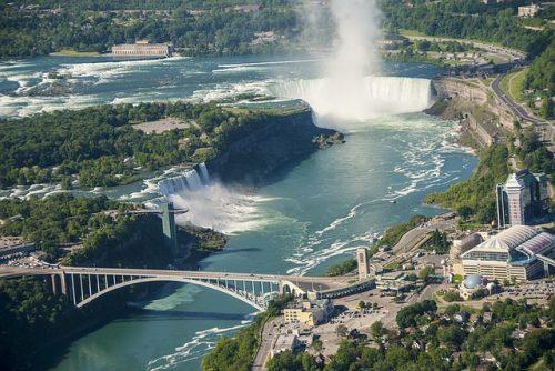 Cataratas Niagara Falls, no Canadá