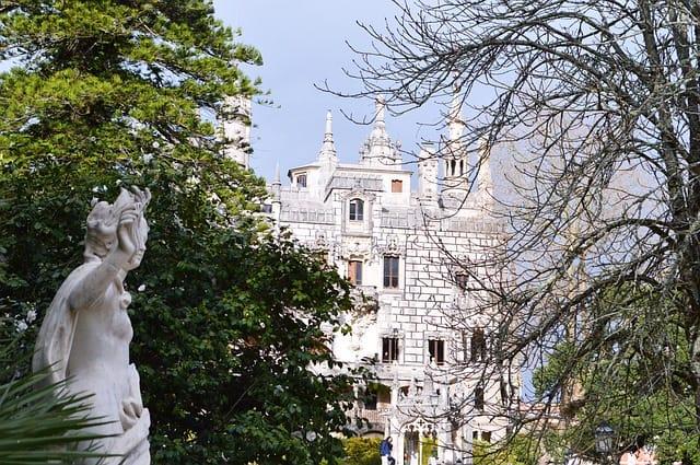 monumento, arquitetura e natureza em Sintra