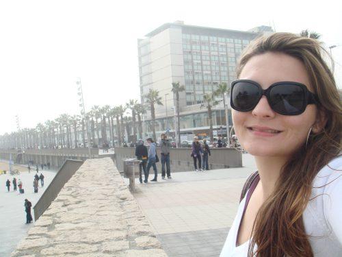 Turistas na praia de Barceloneta