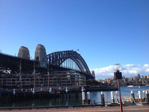 Arquitetura da Harbour Bridge e prédios de Sydney