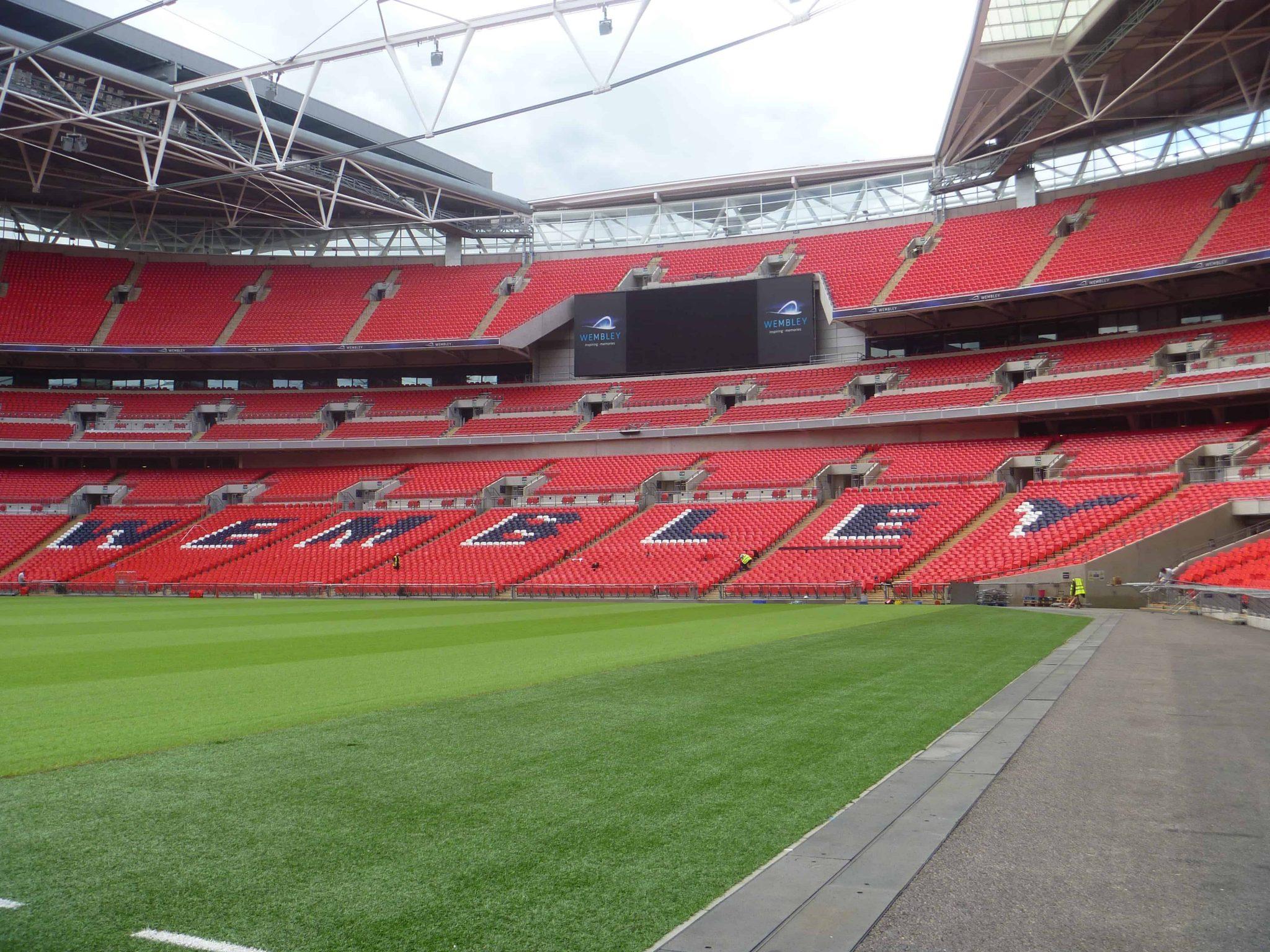 Arquibancadas vazias do estádio de Wembley