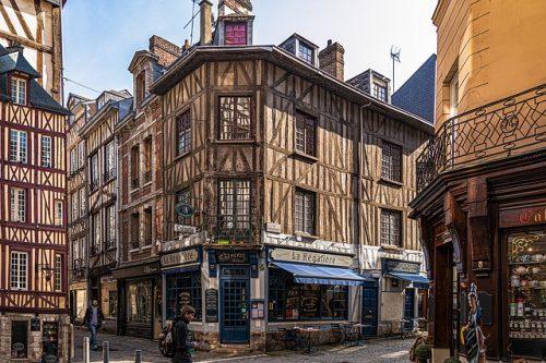 Como é a cidade de Rouen