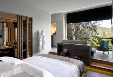 Móveis em quarto de hotel no Douro
