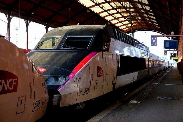 Trem urbano de Paris
