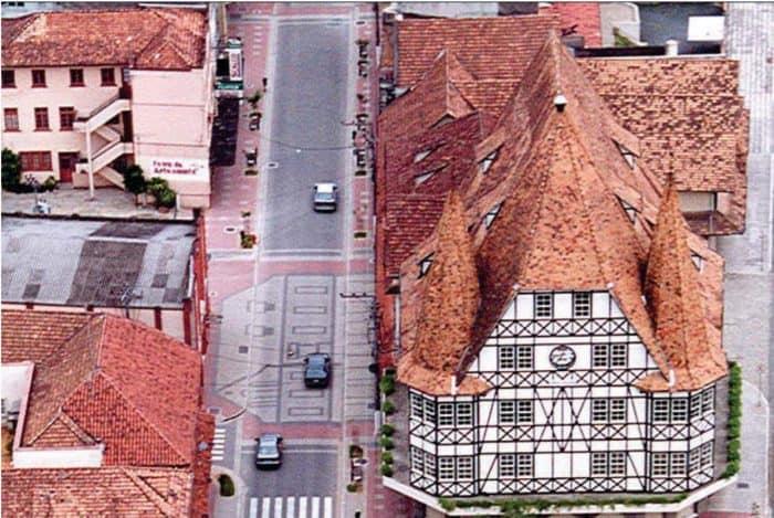 casa alemã e rua de Blumenau