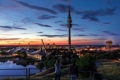 Parque Olímpico de Munique no verão