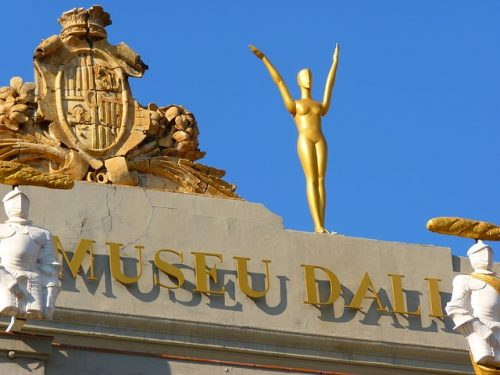 Passeio em Girona e o Museu de Dalí