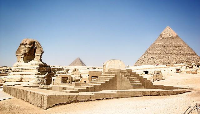 Pirâmides do Egito e estátua da Esfinge