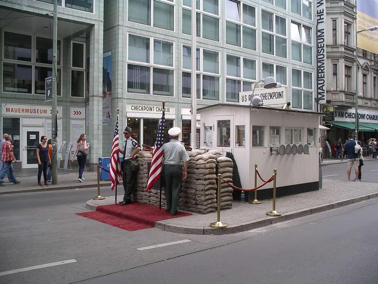Réplica de posto militar em Berlim