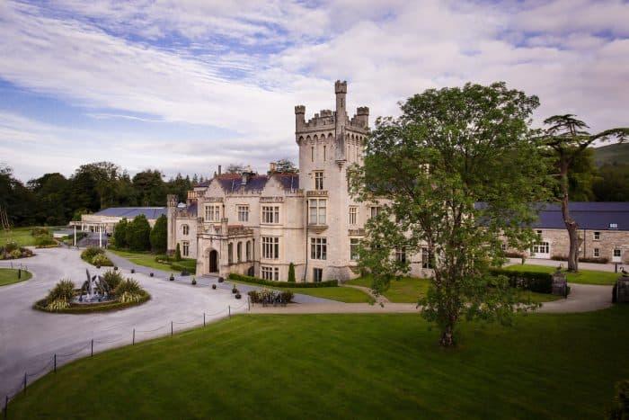 Castelos na Europa: Área externa do Lough Eske Castle