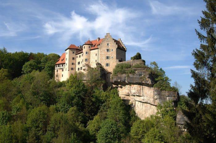 Castelos na Europa: Vista externa do Burg Rabenstein