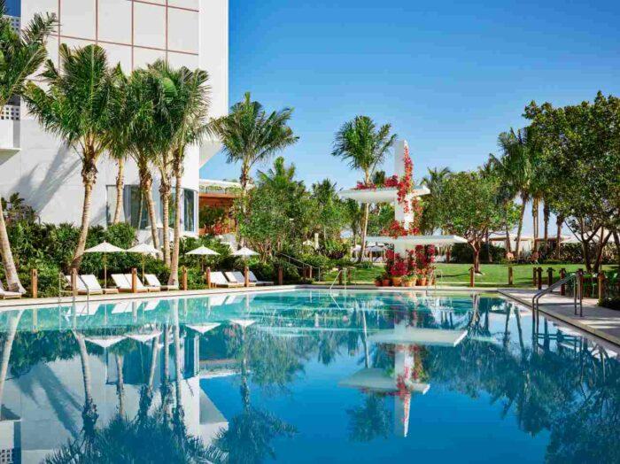 Piscina do Miami Beach Edition