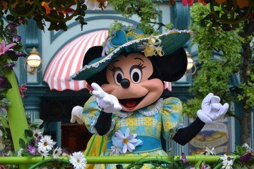 Personagens icônicos na Disneylandia