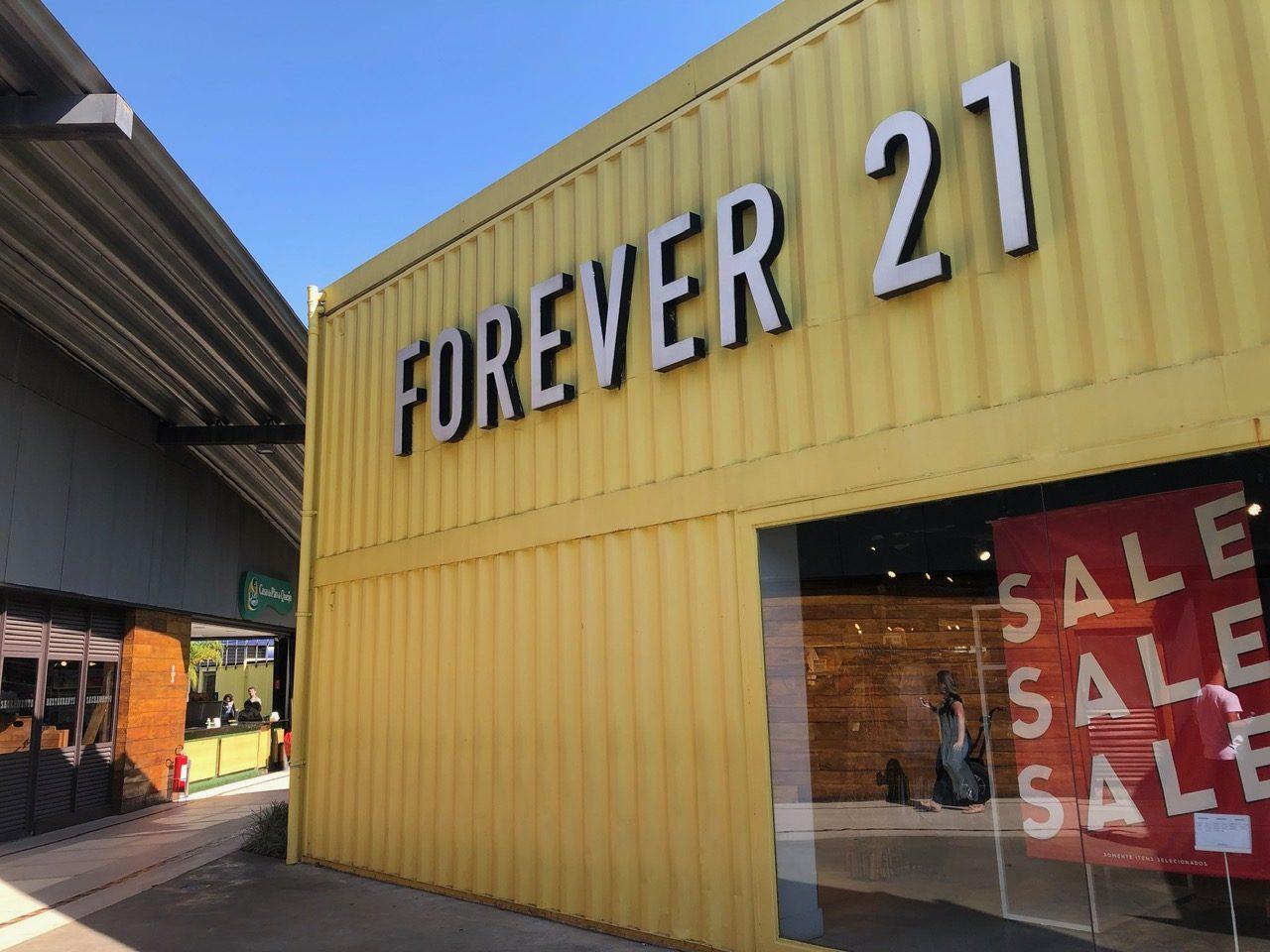 Loja da Forever 21 em Outlet de São Paulo