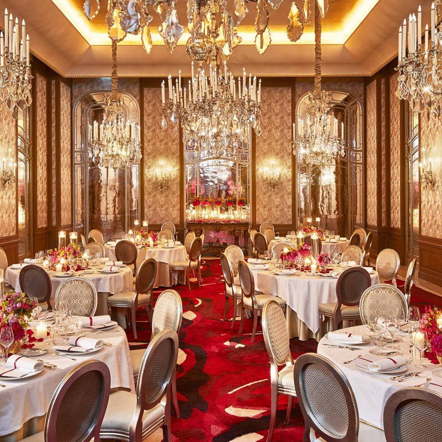 hotel em paris: Hôtel Plaza Athénée