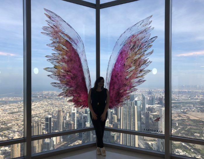 Anjo, no Burj Khalifa