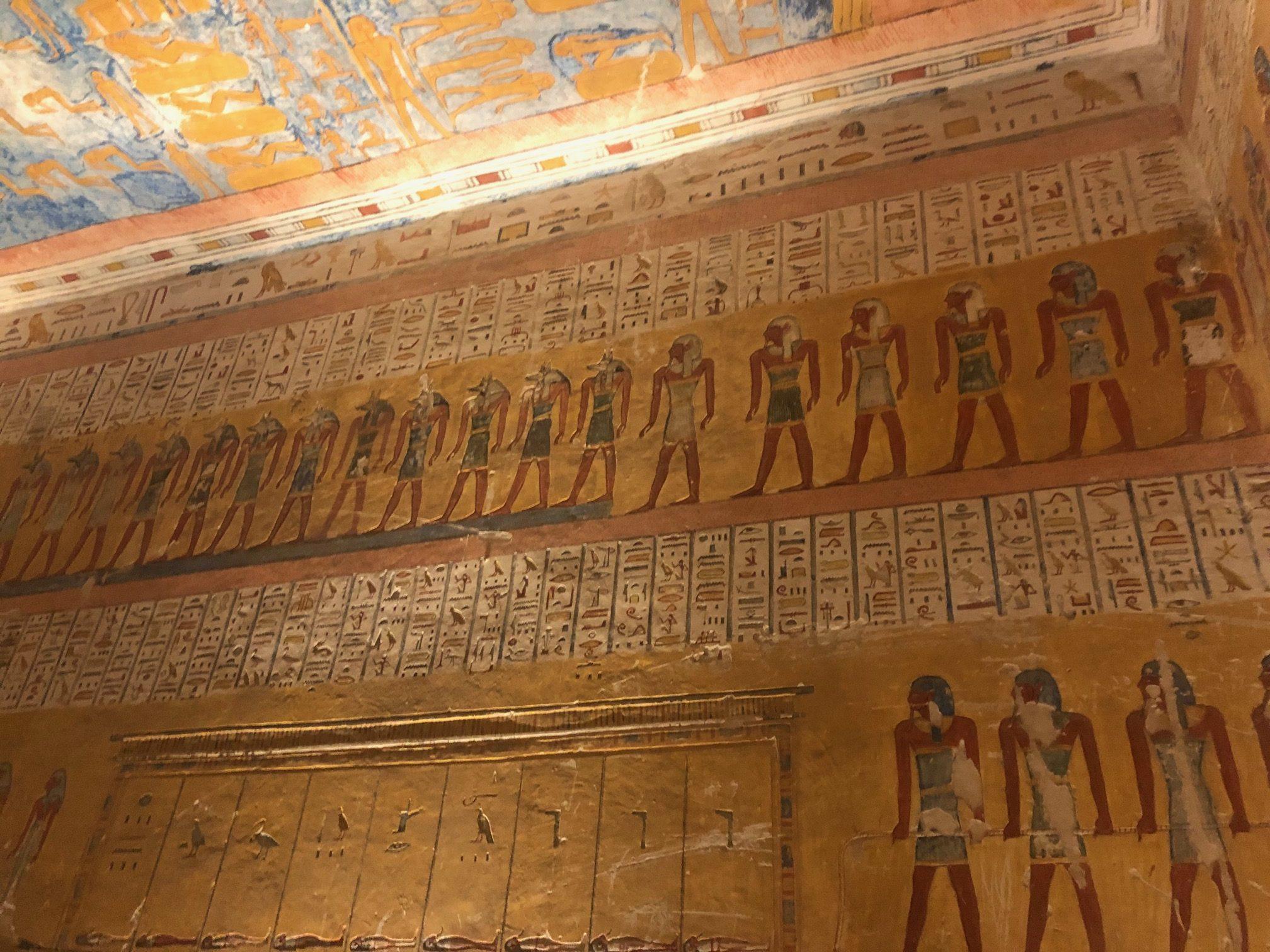 Interior da tumba de Ramessés IV