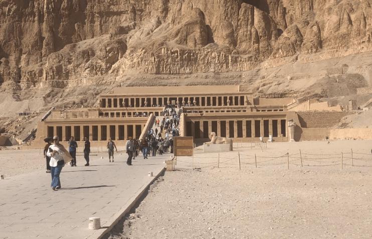 Como é o Templo de Hatshepsut