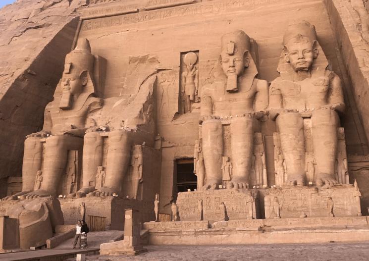 Templo de Abu Simbel de dia