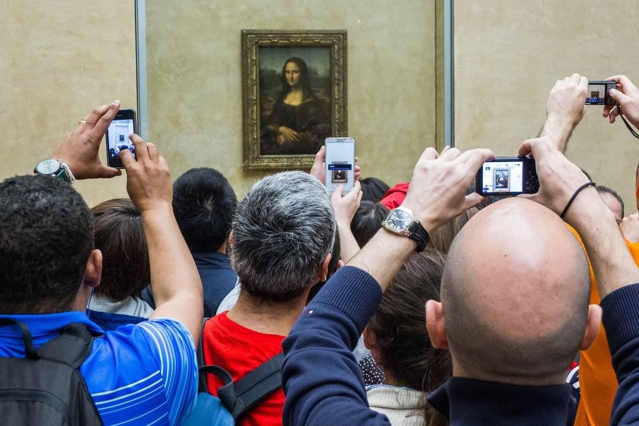 Monalisa está no Louvre e pode ser vista nos museus virtuais