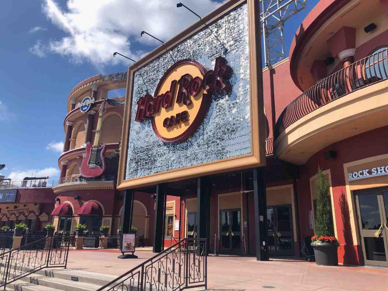 Entrada do Hard Rock Cafe, um dos restaurantes temático de Orlando