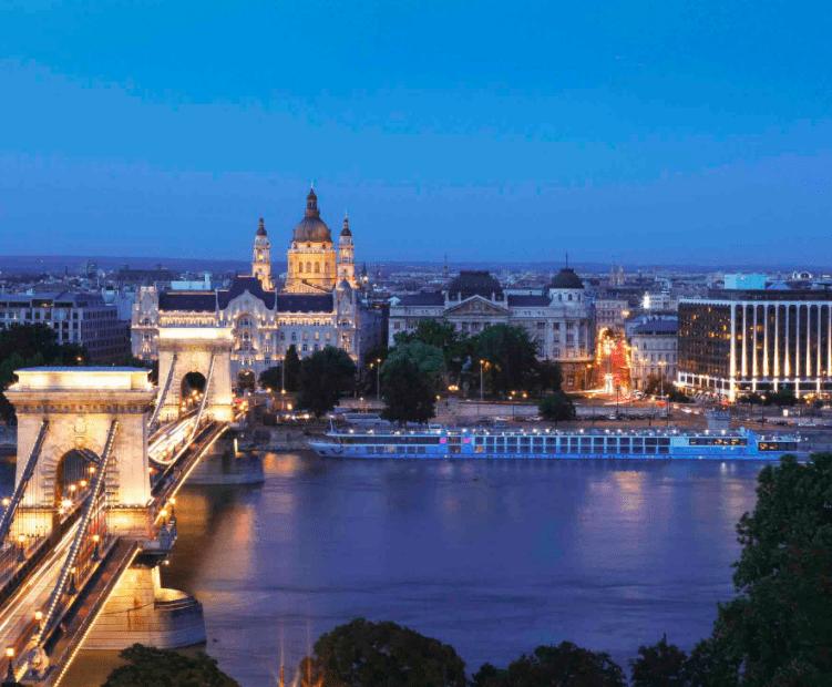 Vista do Sofitel Budapest Chain Bridge