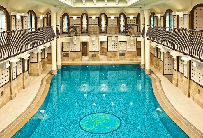 piscina do Corinthia Budapest
