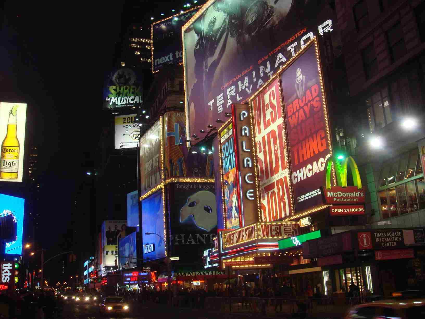 Painel do Fantasma da Ópera na Times Square