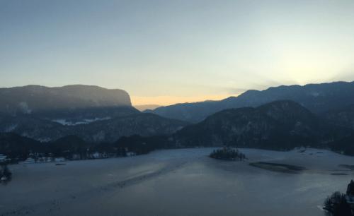 Pôr do sol em Bled
