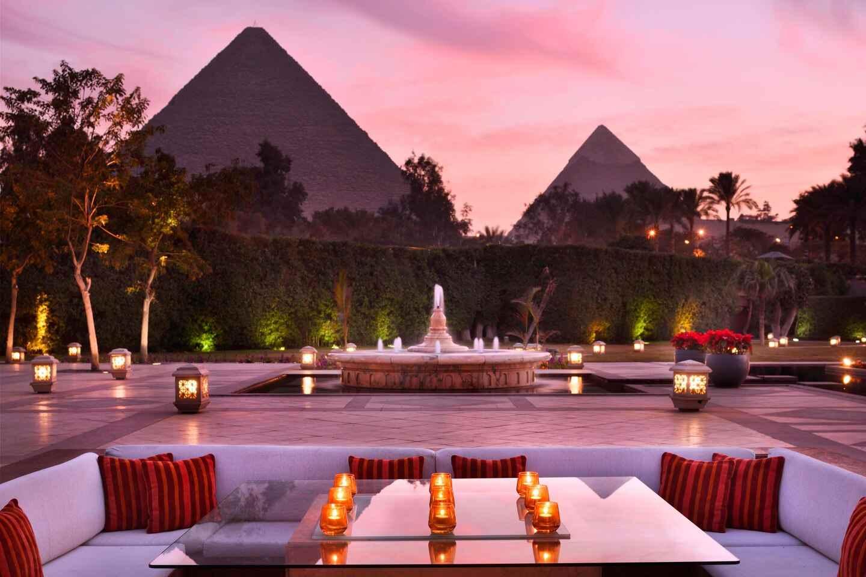 hotéis incríveis: Vista do restaurante do hotel Mena House para as pirâmides