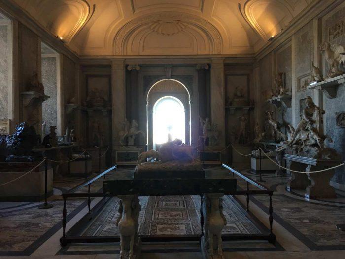 Área interna do Museu do Vaticano