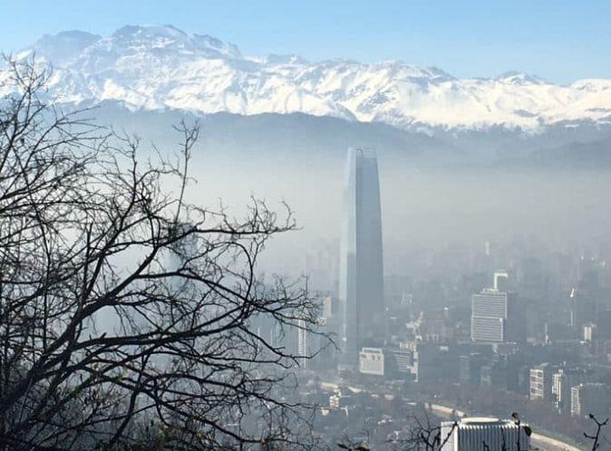 Cidade de Santiago e Cordilheira dos Andes