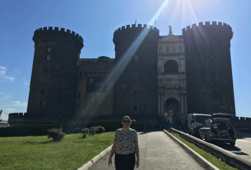 Frente do Castelo Nuovo