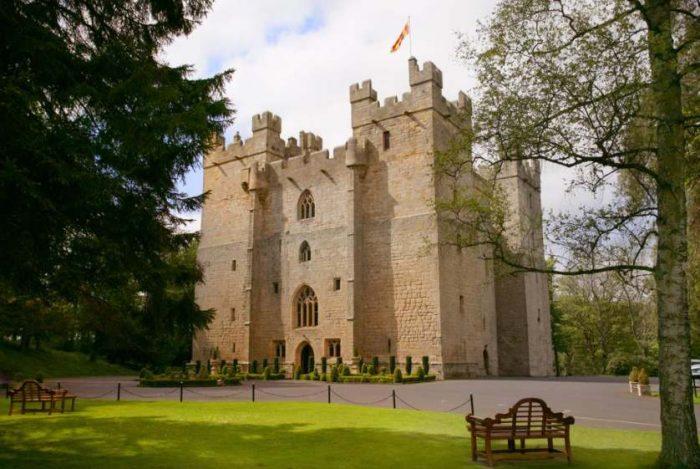 Castelos da Inglaterra: Fachada do Langley Castle