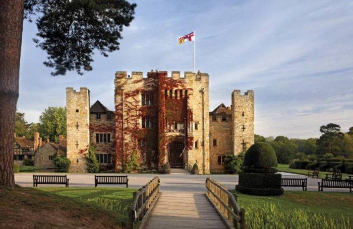 castelos da Inglaterra: entrada do Hever Castle