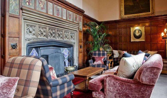 Uma das salas de convivência do Thornbury Castle