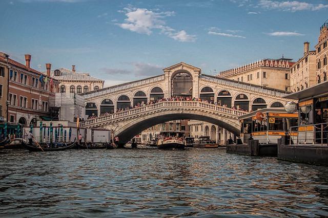 Ponte do Rialto, em Veneza