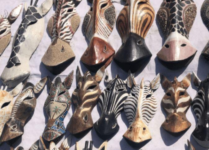 Compras no Egito de objetos africanos