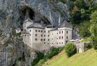Castelo de Predjama: guia completo e gratuito