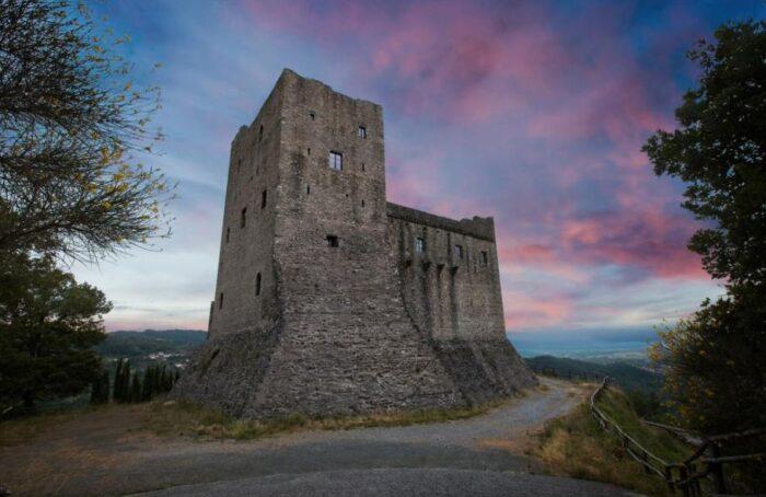 Castelos da Toscana: Castello dell'Aquila
