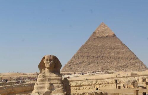 A maior pirâmide do Egito e a Esfinge